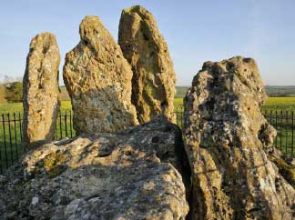 the rollright whispering knights stones