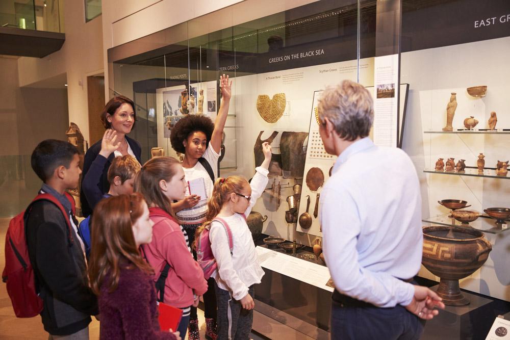 school children on a tour of the ashmolean museum