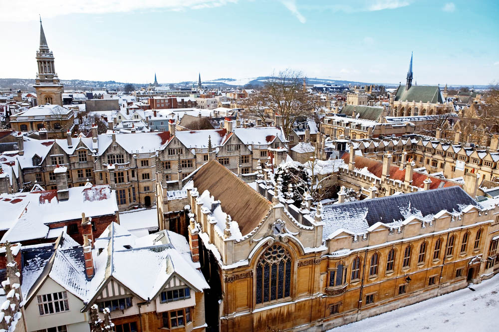 the rooftops of exeter college in oxford where lyra escaped in philip pullman's northern lights