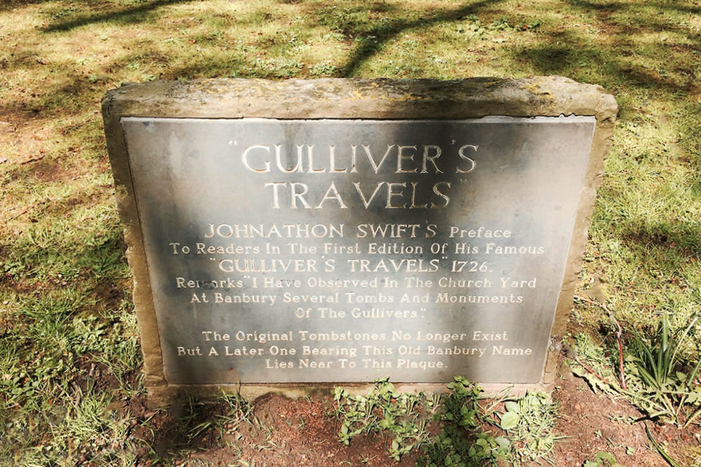 plaque of gulliver's travels name inspiration in st. mary's churchyard, banbury