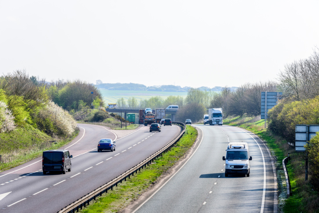 Cars speeding along the M40 in Oxfordshire