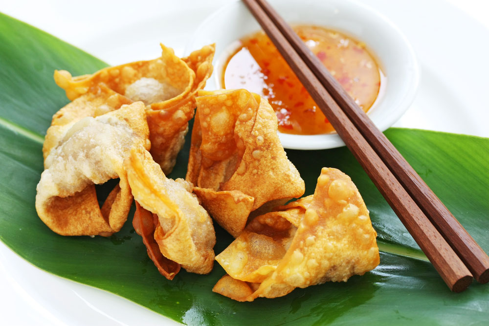 Chinese wontons with sweet chilli sauce