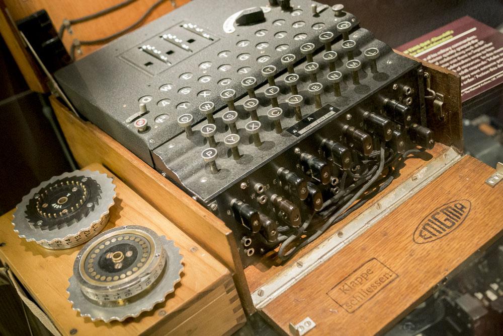 a world war 2 enigma machine at bletchley park milton keynes